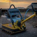 excavators-3581208_1920
